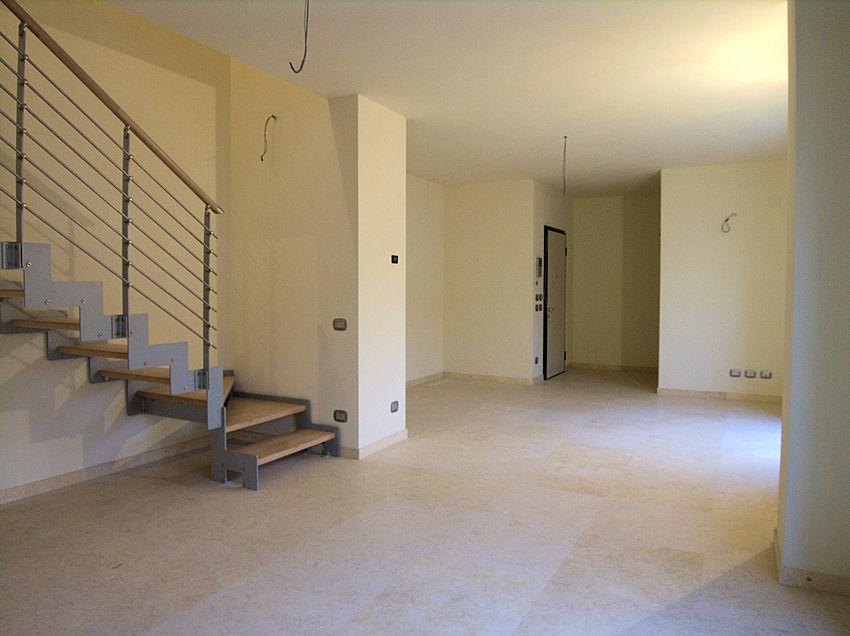 987-Appartamento ristrutturato disposto su due livelli-Viareggio-1 Agenzia Immobiliare ASIP
