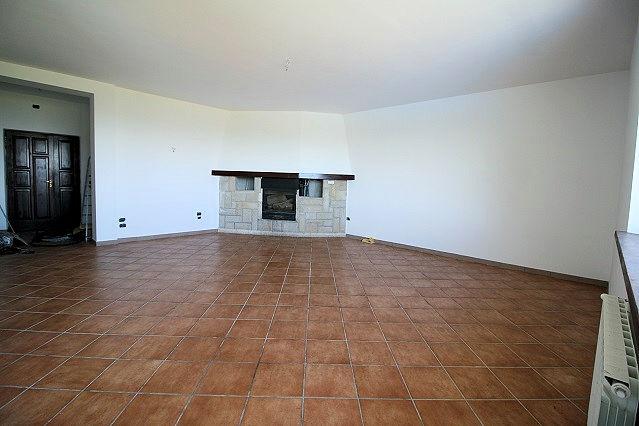 1003-Villa bifamiliare con piscina e vista lago-Bolsena-8 Agenzia Immobiliare ASIP
