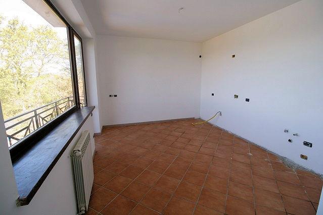 1003-Villa bifamiliare con piscina e vista lago-Bolsena-9 Agenzia Immobiliare ASIP