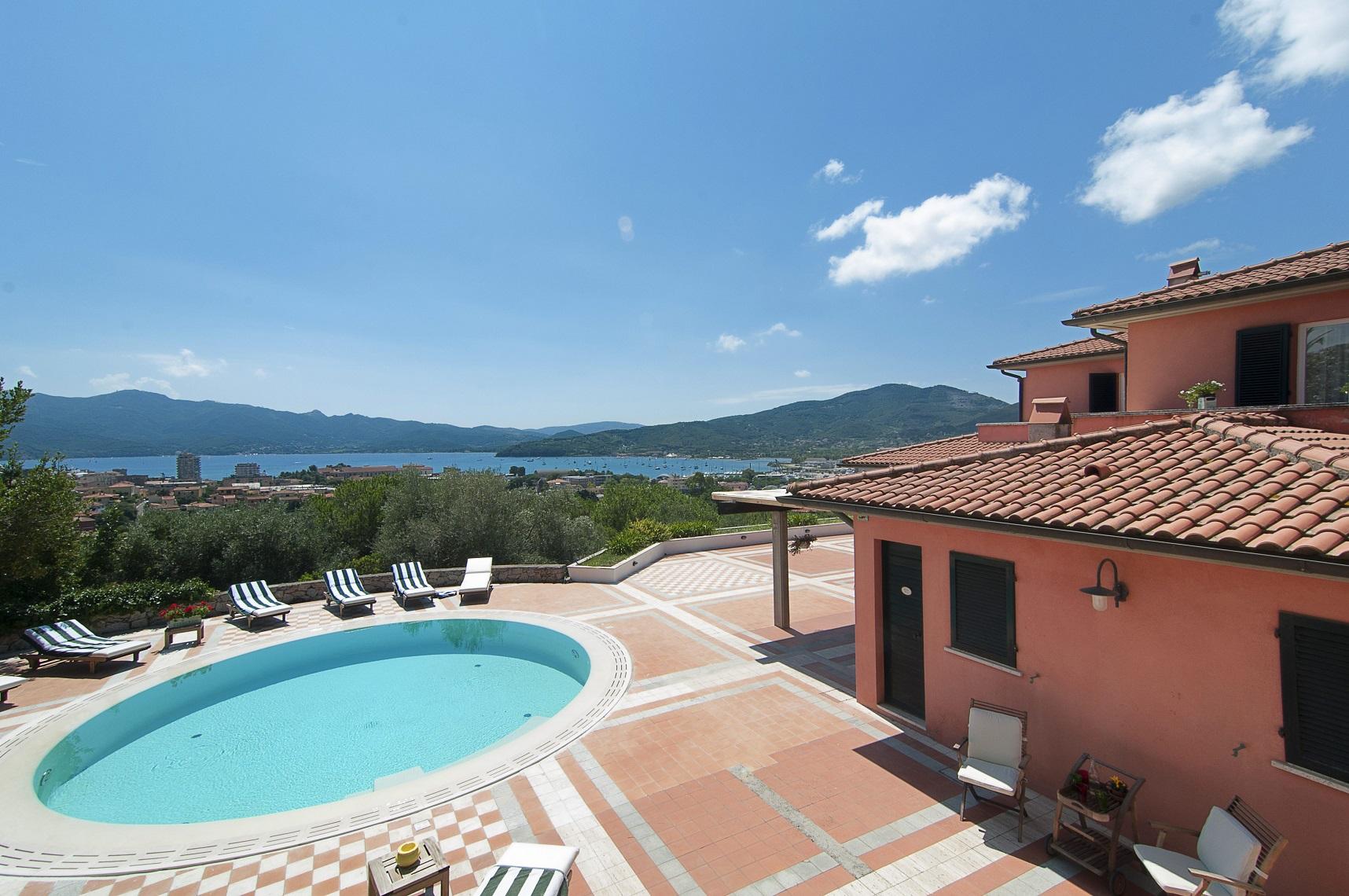 712-Villa di lusso con parco piscina e vista mare-Portoferraio-1 Agenzia Immobiliare ASIP