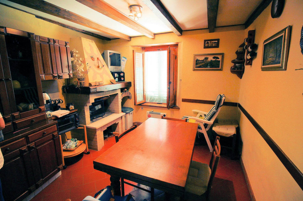 1029-Appartamento al piano primo con vista panoramica e piccolo giardino-Cutigliano-6 Agenzia Immobiliare ASIP