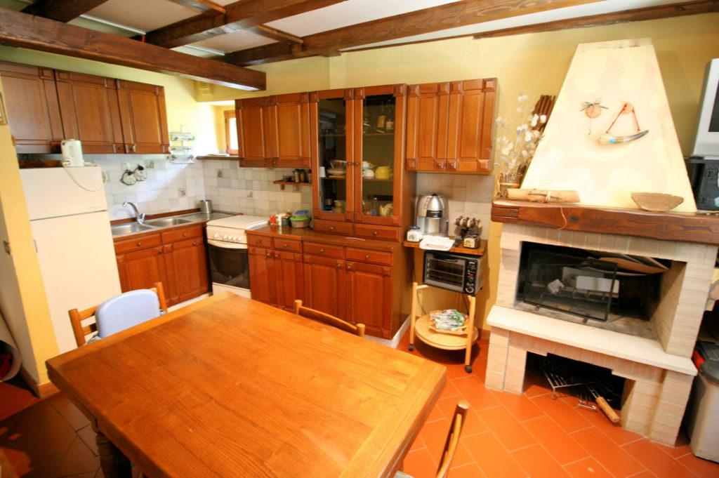 1029-Appartamento al piano primo con vista panoramica e piccolo giardino-Cutigliano-4 Agenzia Immobiliare ASIP