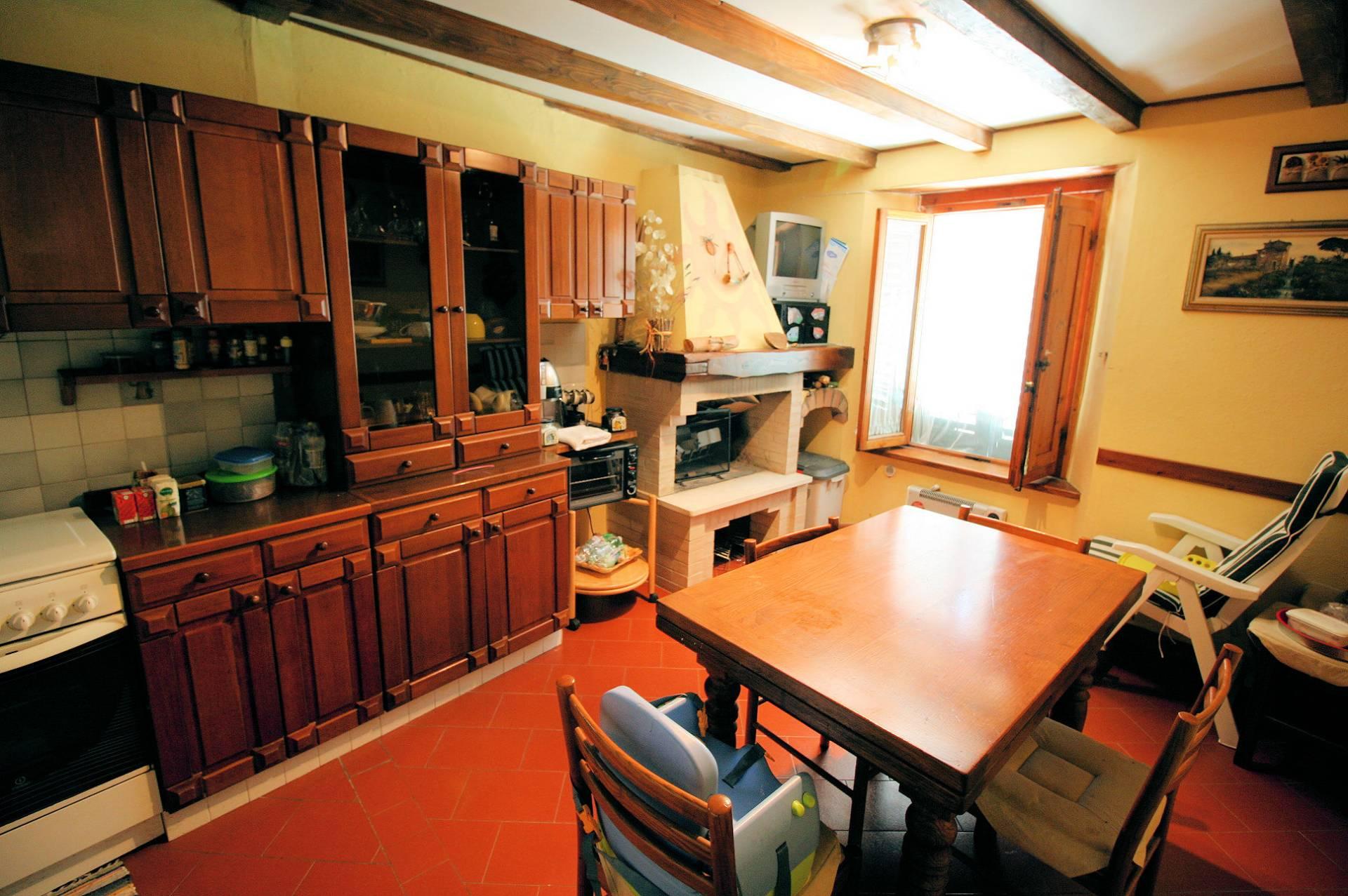 1029-Appartamento al piano primo con vista panoramica e piccolo giardino-Cutigliano-1 Agenzia Immobiliare ASIP