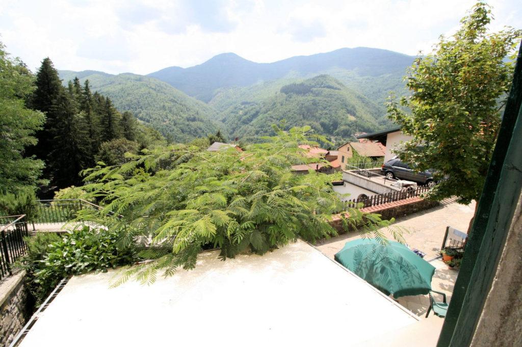 1029-Appartamento al piano primo con vista panoramica e piccolo giardino-Cutigliano-2 Agenzia Immobiliare ASIP