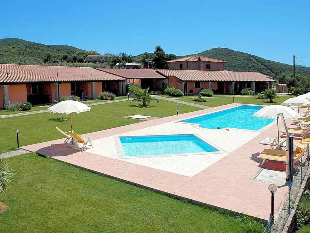 1049-Compendio immobiliare composto da casale ristrutturato e struttura agrituristica-Scarlino-2 Agenzia Immobiliare ASIP