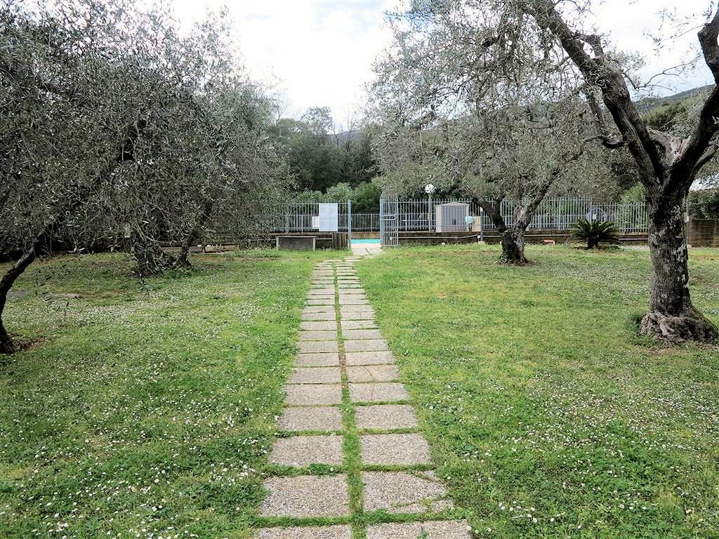 1061-Casale ristrutturato con parco e piscina a pochi chilometri dal mare-Gavorrano-19 Agenzia Immobiliare ASIP
