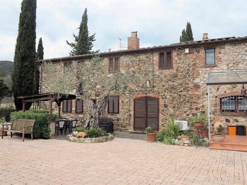 1061-Casale ristrutturato con parco e piscina a pochi chilometri dal mare-Gavorrano-7 Agenzia Immobiliare ASIP
