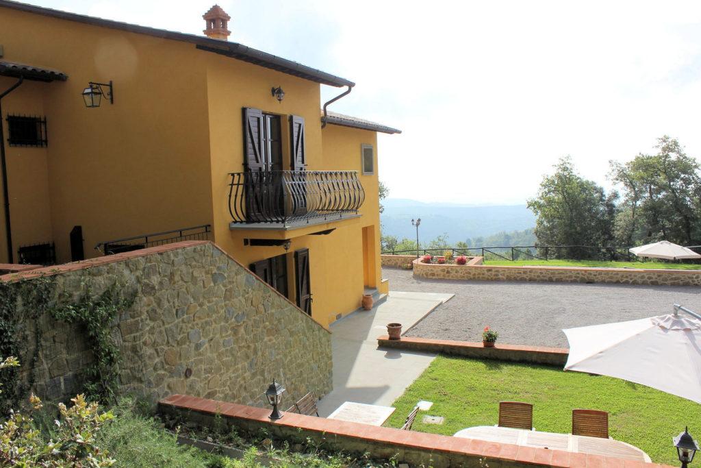 1095-Villa in collina con parco e piscina-Civitella in Val di Chiana-8 Agenzia Immobiliare ASIP