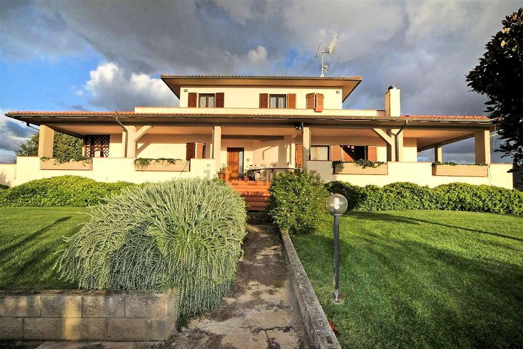 1097-Villa singola con giardino e vista panoramica-Scarlino-2 Agenzia Immobiliare ASIP