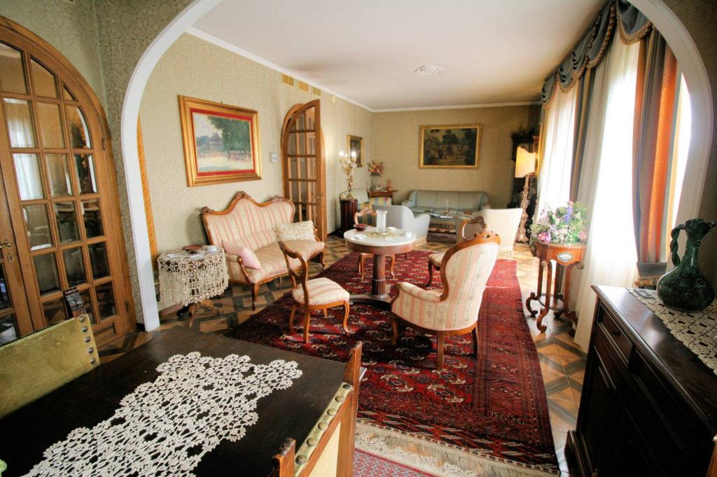 1100-Appartamento indipendente di ampia superficie con terrazza panoramica-Montecatini-Terme-2 Agenzia Immobiliare ASIP