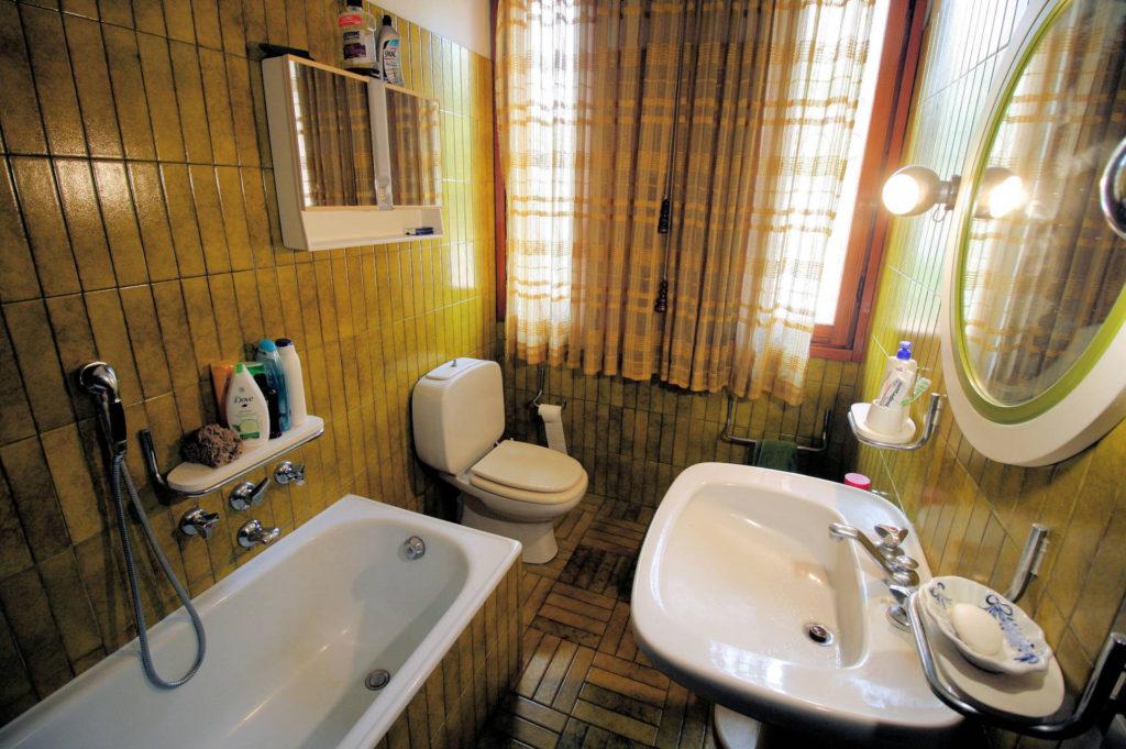 1100-Appartamento indipendente di ampia superficie con terrazza panoramica-Montecatini-Terme-20 Agenzia Immobiliare ASIP