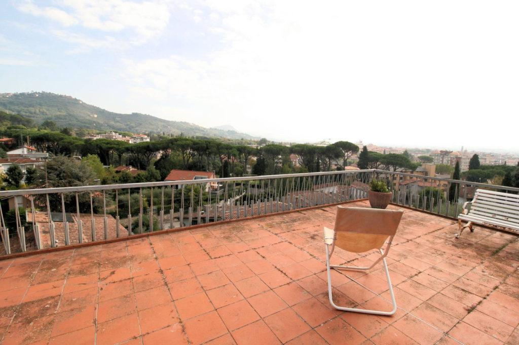 1100-Appartamento indipendente di ampia superficie con terrazza panoramica-Montecatini-Terme-1 Agenzia Immobiliare ASIP