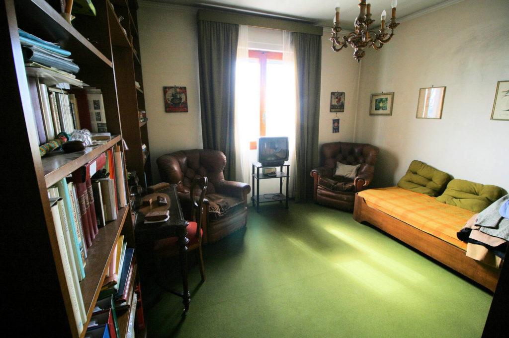 1100-Appartamento indipendente di ampia superficie con terrazza panoramica-Montecatini-Terme-18 Agenzia Immobiliare ASIP