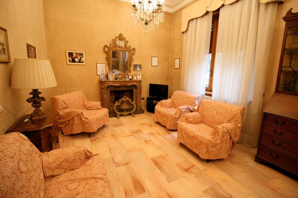 1119-Villa di ampia superficie in ottima zona residenziale-Montecatini-Terme-3 Agenzia Immobiliare ASIP