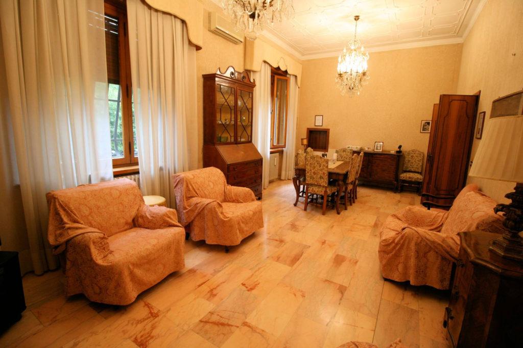1119-Villa di ampia superficie in ottima zona residenziale-Montecatini-Terme-2 Agenzia Immobiliare ASIP