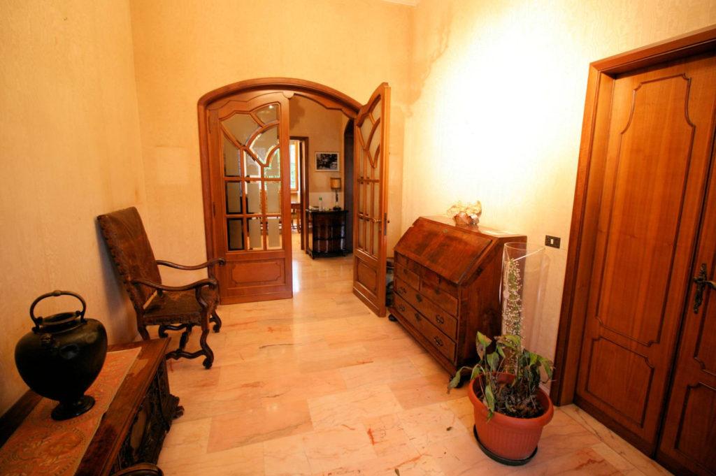 1119-Villa di ampia superficie in ottima zona residenziale-Montecatini-Terme-6 Agenzia Immobiliare ASIP