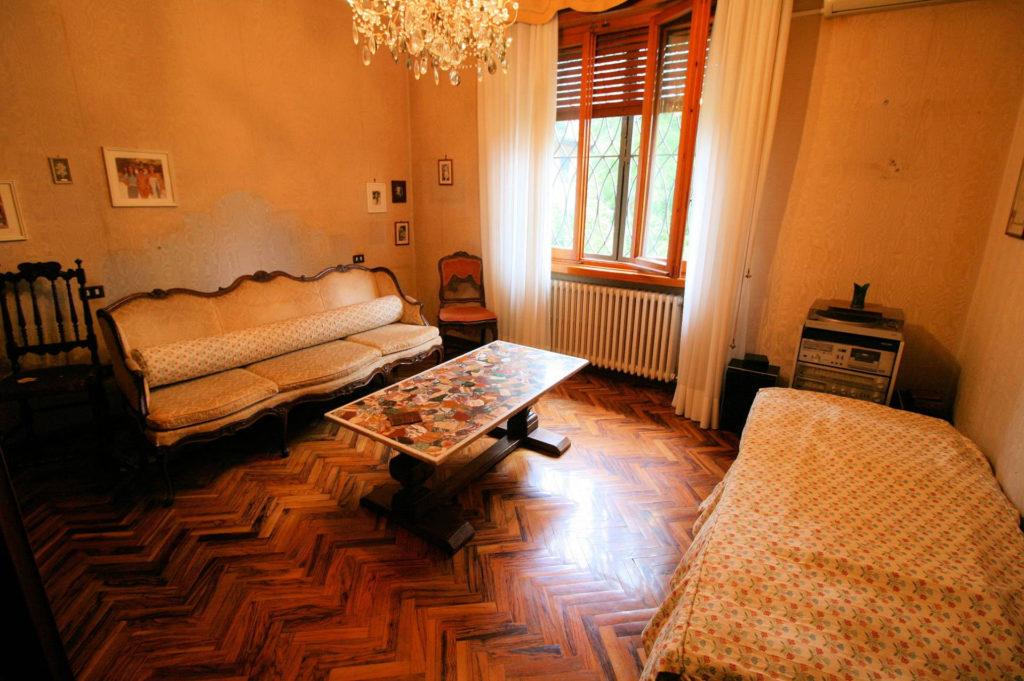 1119-Villa di ampia superficie in ottima zona residenziale-Montecatini-Terme-12 Agenzia Immobiliare ASIP