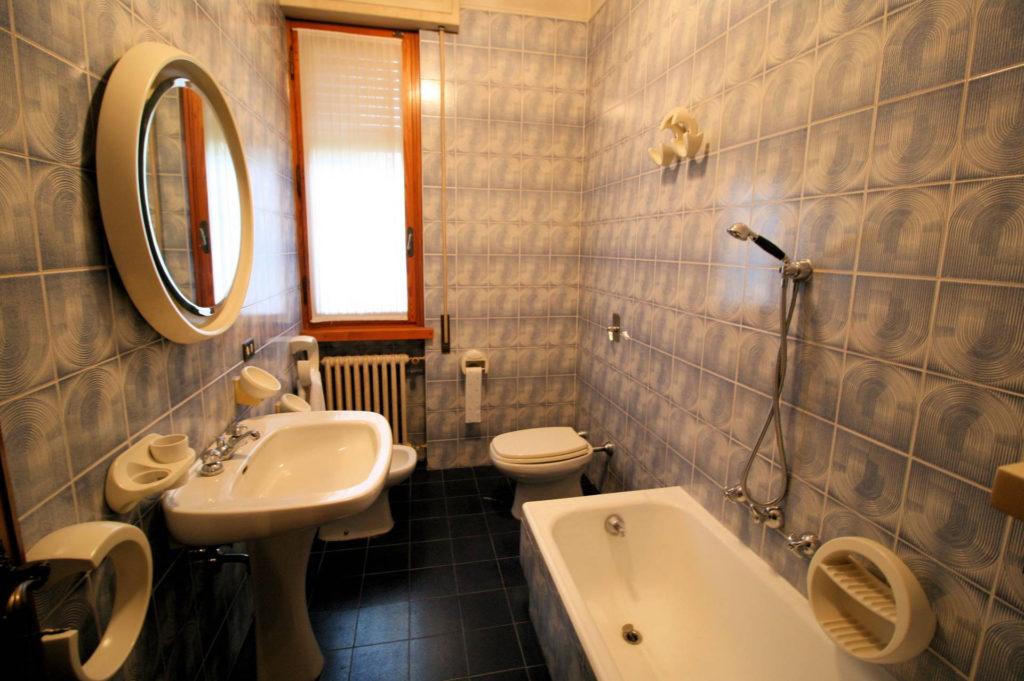 1119-Villa di ampia superficie in ottima zona residenziale-Montecatini-Terme-20 Agenzia Immobiliare ASIP