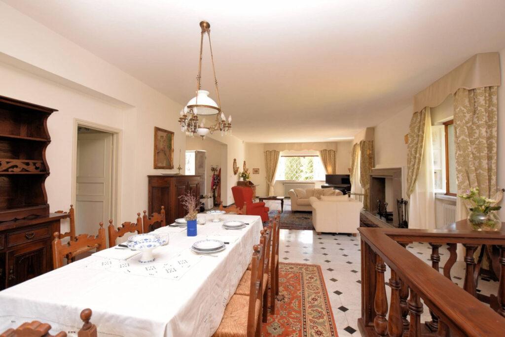 1153-Villa in collina con parco-Camaiore-7 Agenzia Immobiliare ASIP