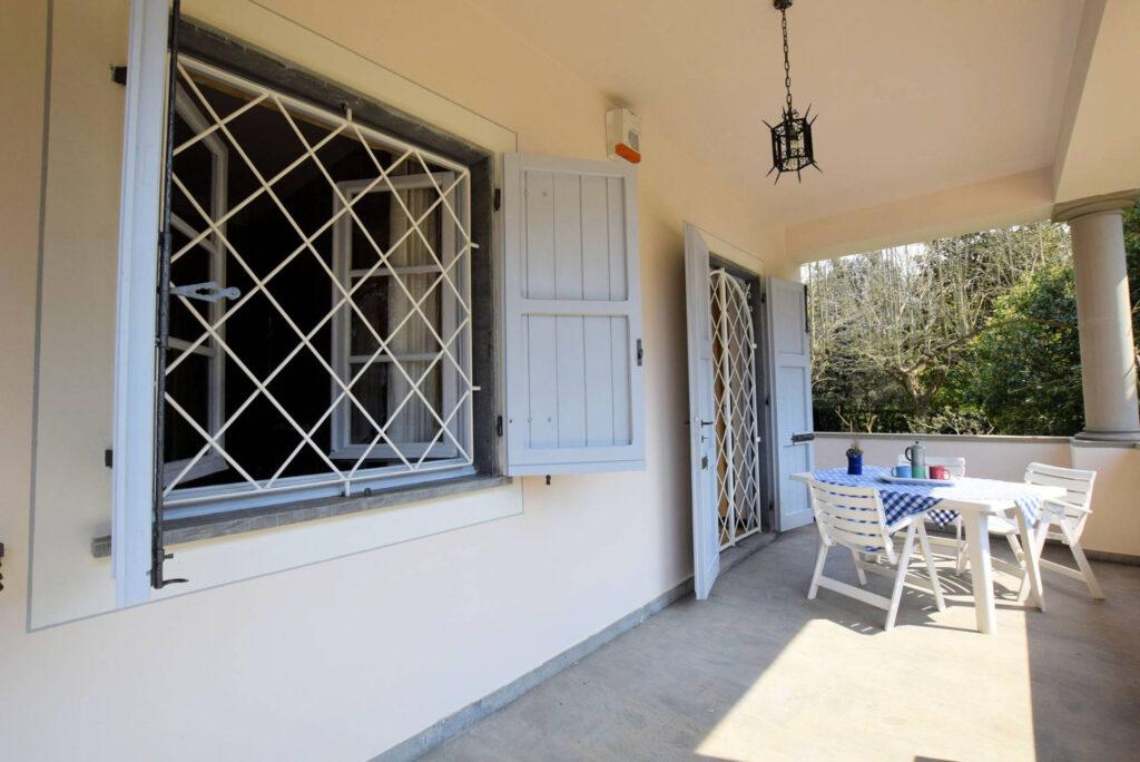 1153-Villa in collina con parco-Camaiore-2 Agenzia Immobiliare ASIP