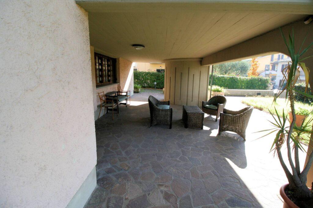 1203-Villa unifamiliare di grande metratura con giardino-Montecatini-Terme-7 Agenzia Immobiliare ASIP