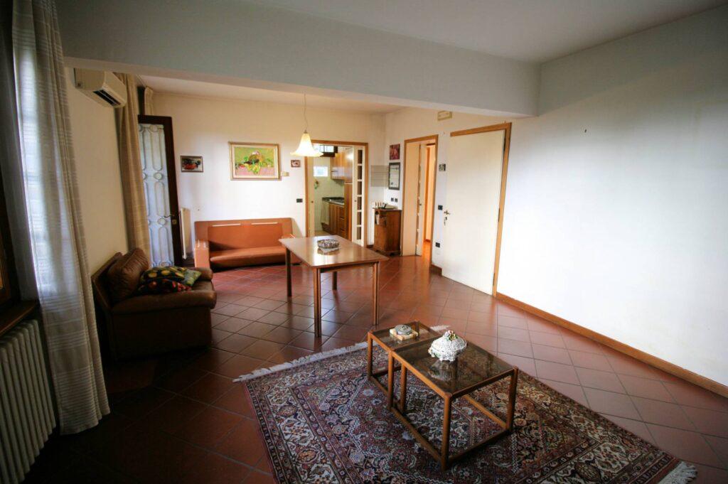 1203-Villa unifamiliare di grande metratura con giardino-Montecatini-Terme-9 Agenzia Immobiliare ASIP
