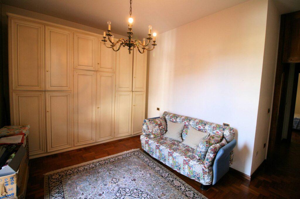 1203-Villa unifamiliare di grande metratura con giardino-Montecatini-Terme-13 Agenzia Immobiliare ASIP