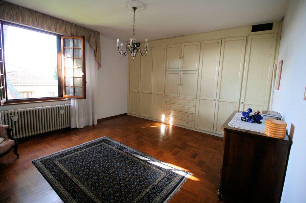 1203-Villa unifamiliare di grande metratura con giardino-Montecatini-Terme-12 Agenzia Immobiliare ASIP