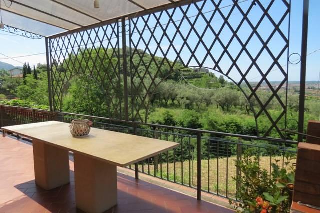 1232-Villa unifamiliare con ampio giardino e vista mare-Pietrasanta-4 Agenzia Immobiliare ASIP