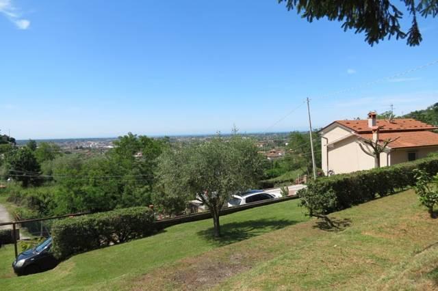 1232-Villa unifamiliare con ampio giardino e vista mare-Pietrasanta-1 Agenzia Immobiliare ASIP