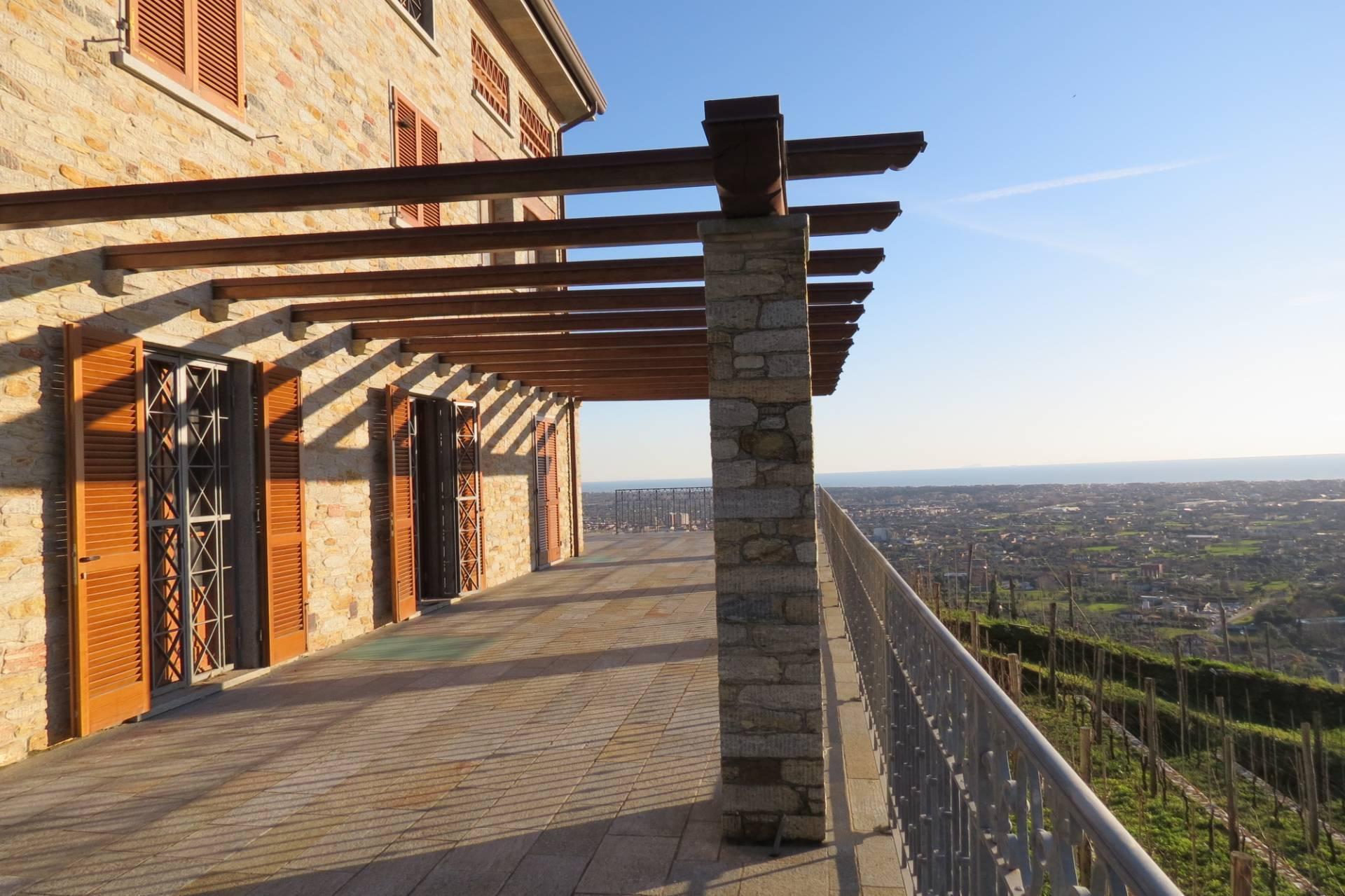 1233-Villa unifamiliare con ampio giardino e vista mare-Pietrasanta-1 Agenzia Immobiliare ASIP