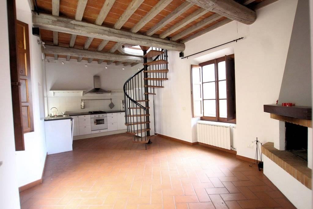 1234-Appartamento in centro storico con vista panoramica-Volterra-1 Agenzia Immobiliare ASIP