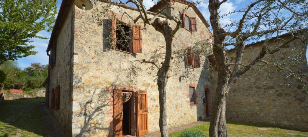 1241-Porzione di casolare con fienile oliveto e vigneto-Murlo-4 Agenzia Immobiliare ASIP