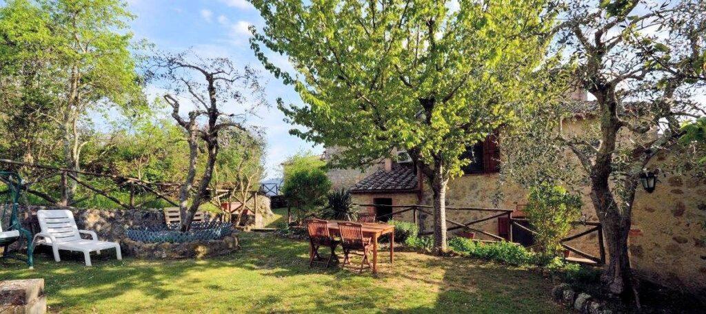1241-Porzione di casolare con fienile oliveto e vigneto-Murlo-2 Agenzia Immobiliare ASIP