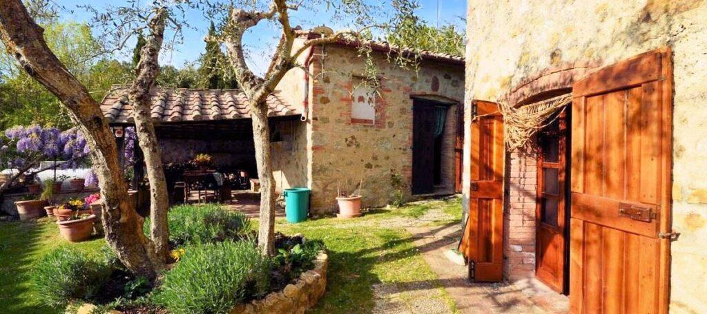 1241-Porzione di casolare con fienile oliveto e vigneto-Murlo-6 Agenzia Immobiliare ASIP