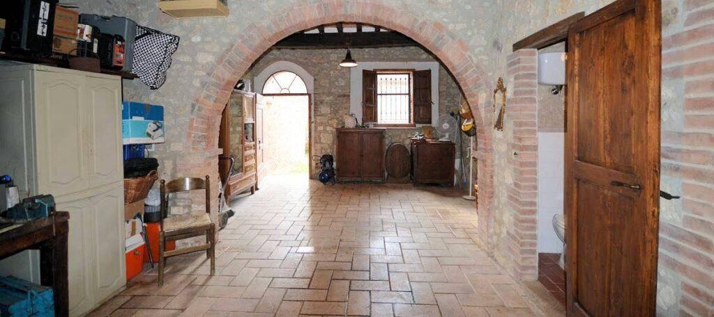 1241-Porzione di casolare con fienile oliveto e vigneto-Murlo-8 Agenzia Immobiliare ASIP