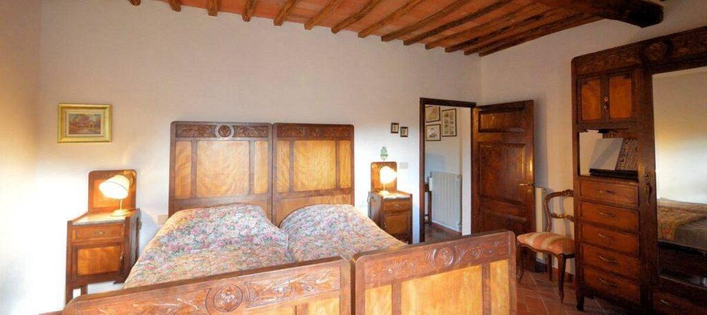 1241-Porzione di casolare con fienile oliveto e vigneto-Murlo-15 Agenzia Immobiliare ASIP