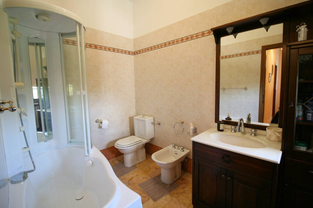 1248-Villa prestigiosa con parco e piscina-Pietrasanta-14 Agenzia Immobiliare ASIP