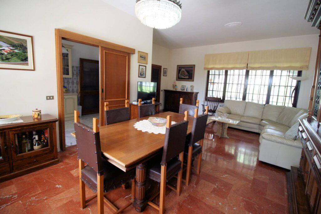 1248-Villa prestigiosa con parco e piscina-Pietrasanta-15 Agenzia Immobiliare ASIP