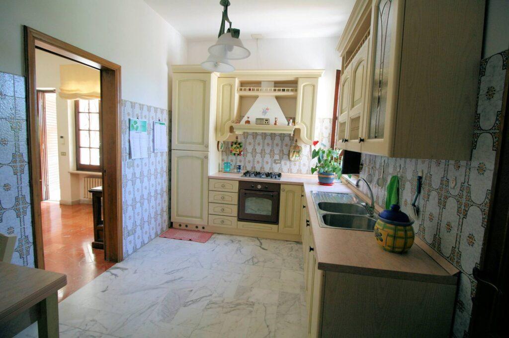 1248-Villa prestigiosa con parco e piscina-Pietrasanta-17 Agenzia Immobiliare ASIP