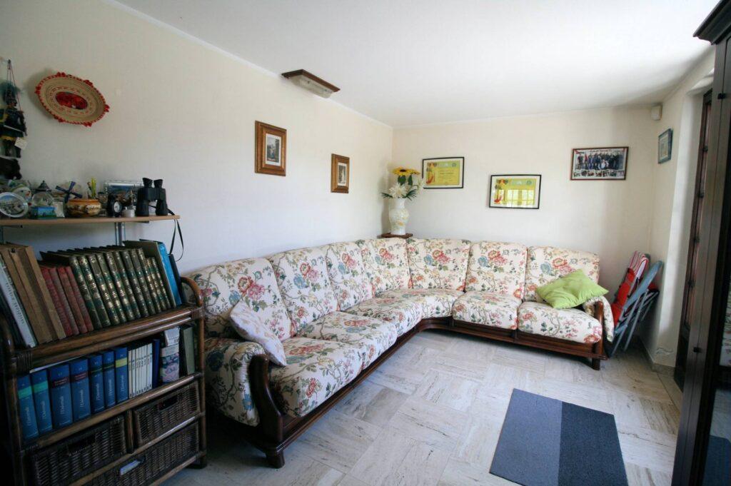 1248-Villa prestigiosa con parco e piscina-Pietrasanta-16 Agenzia Immobiliare ASIP