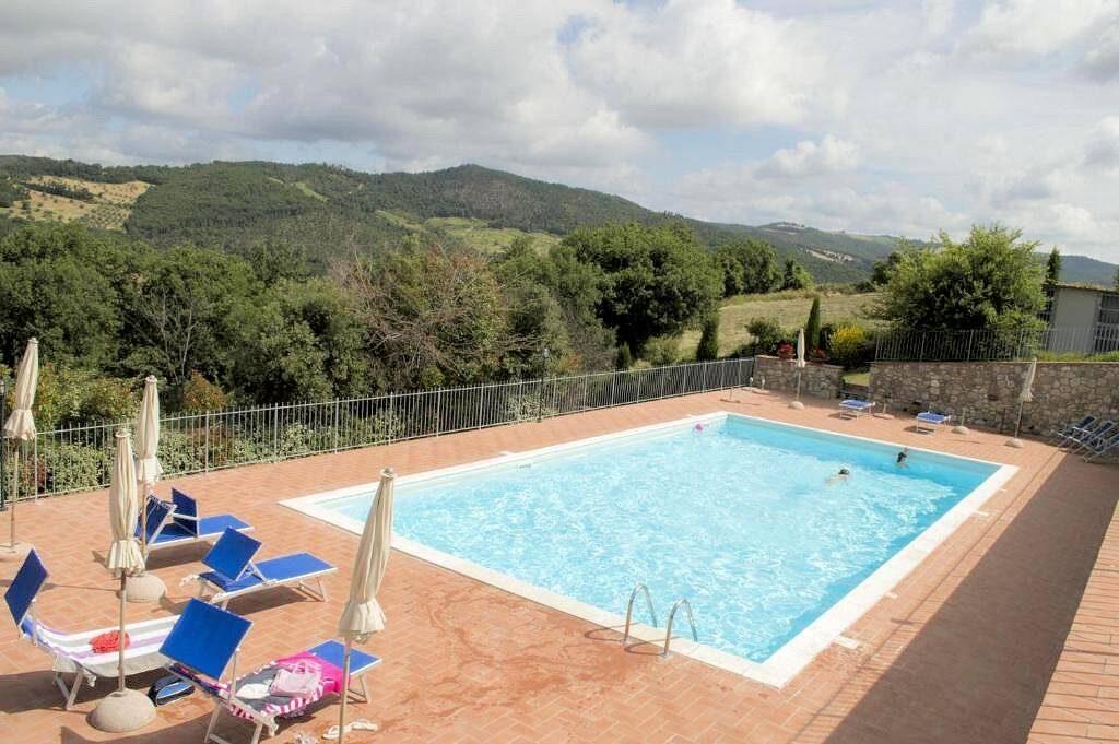1249-Bellissima casa vacanze con parco e piscina in zona panoramica-Volterra-11 Agenzia Immobiliare ASIP