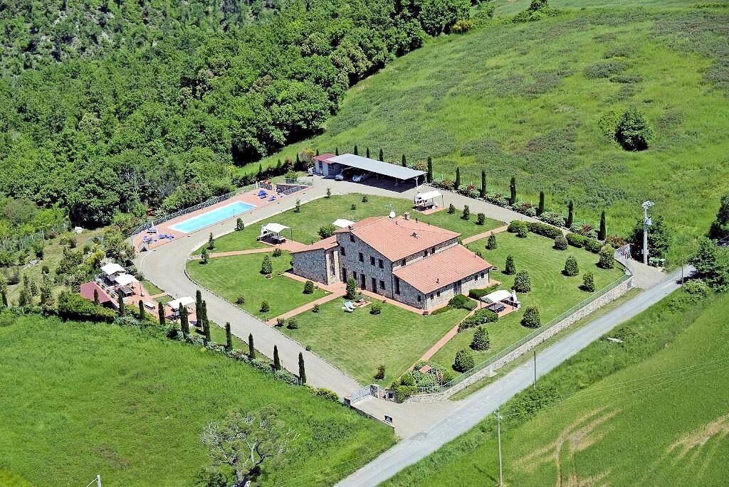 1249-Bellissima casa vacanze con parco e piscina in zona panoramica-Volterra-15 Agenzia Immobiliare ASIP