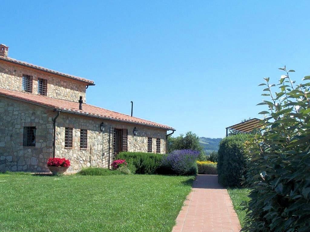 1249-Bellissima casa vacanze con parco e piscina in zona panoramica-Volterra-6 Agenzia Immobiliare ASIP