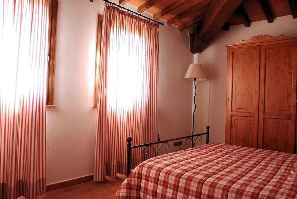 1249-Bellissima casa vacanze con parco e piscina in zona panoramica-Volterra-20 Agenzia Immobiliare ASIP