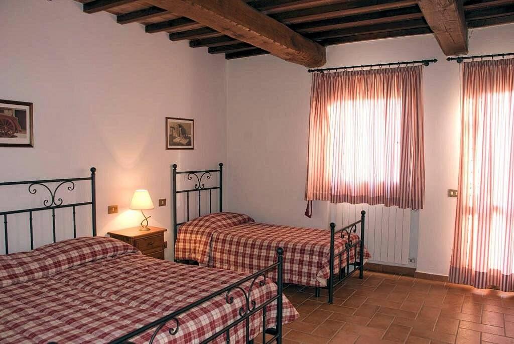 1249-Bellissima casa vacanze con parco e piscina in zona panoramica-Volterra-18 Agenzia Immobiliare ASIP