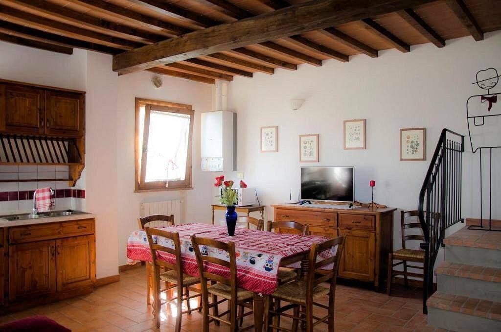 1249-Bellissima casa vacanze con parco e piscina in zona panoramica-Volterra-16 Agenzia Immobiliare ASIP