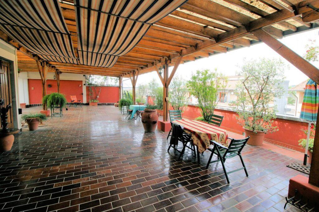 1251-Bellissimo attico con ampia terrazza-Pistoia-7 Agenzia Immobiliare ASIP