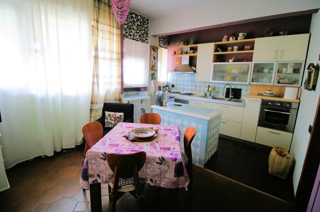 1251-Bellissimo attico con ampia terrazza-Pistoia-9 Agenzia Immobiliare ASIP