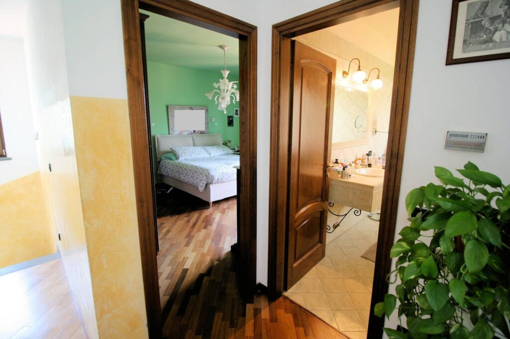 1252-Graziosa villa singola di ampia metratura con vista panoramica  e giardino-Camaiore-14 Agenzia Immobiliare ASIP